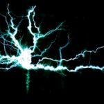 アンテナ修理工事の原因となる雷